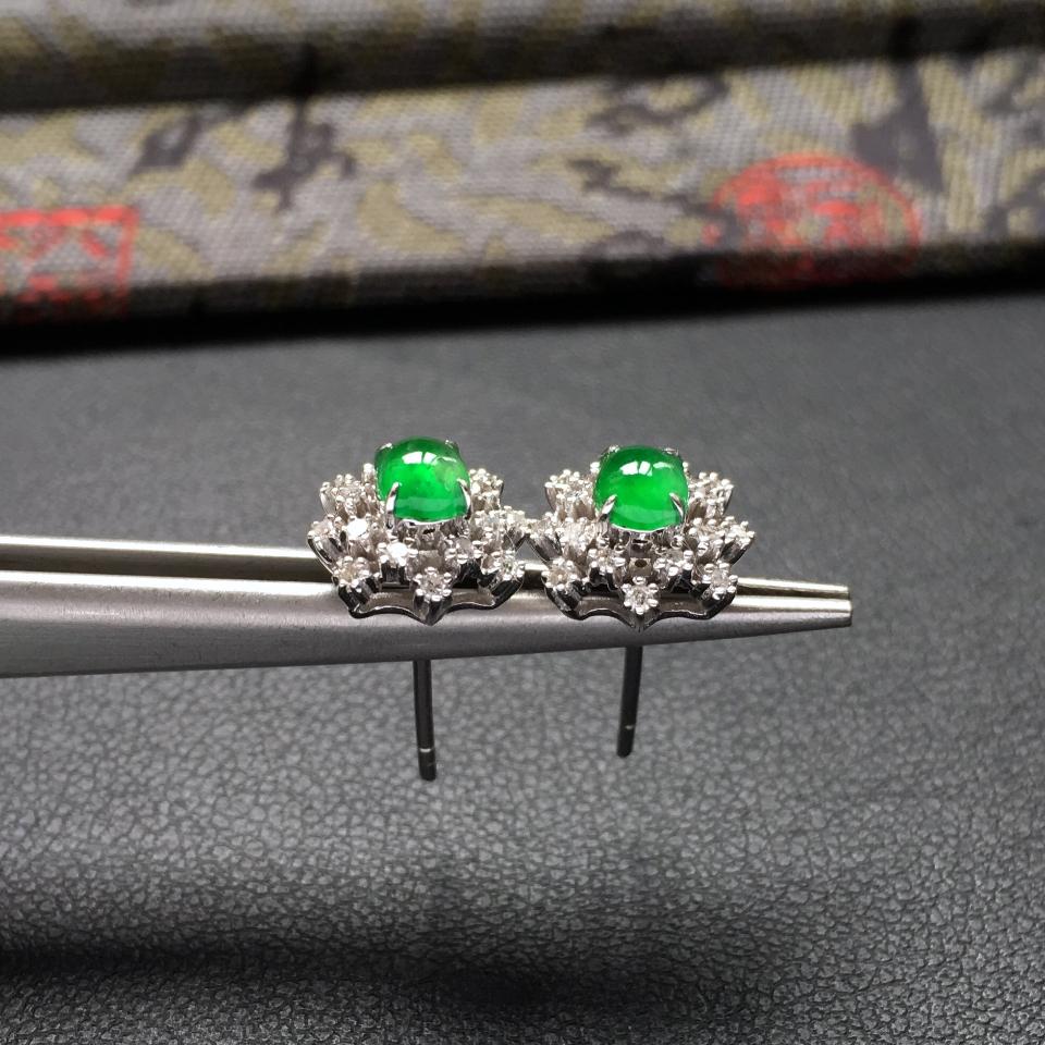 冰种阳绿雪花形翡翠耳钉一对 镶白金钻石第4张
