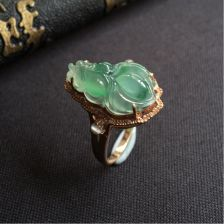 冰种飘花金玉满堂翡翠戒指 镶玫瑰金钻石