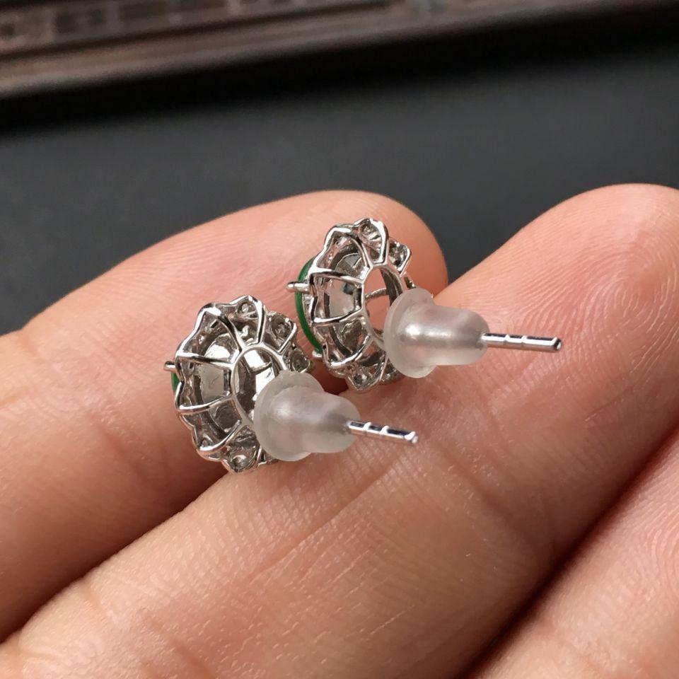 镶白金钻石糯冰种翠色翡翠耳钉第7张