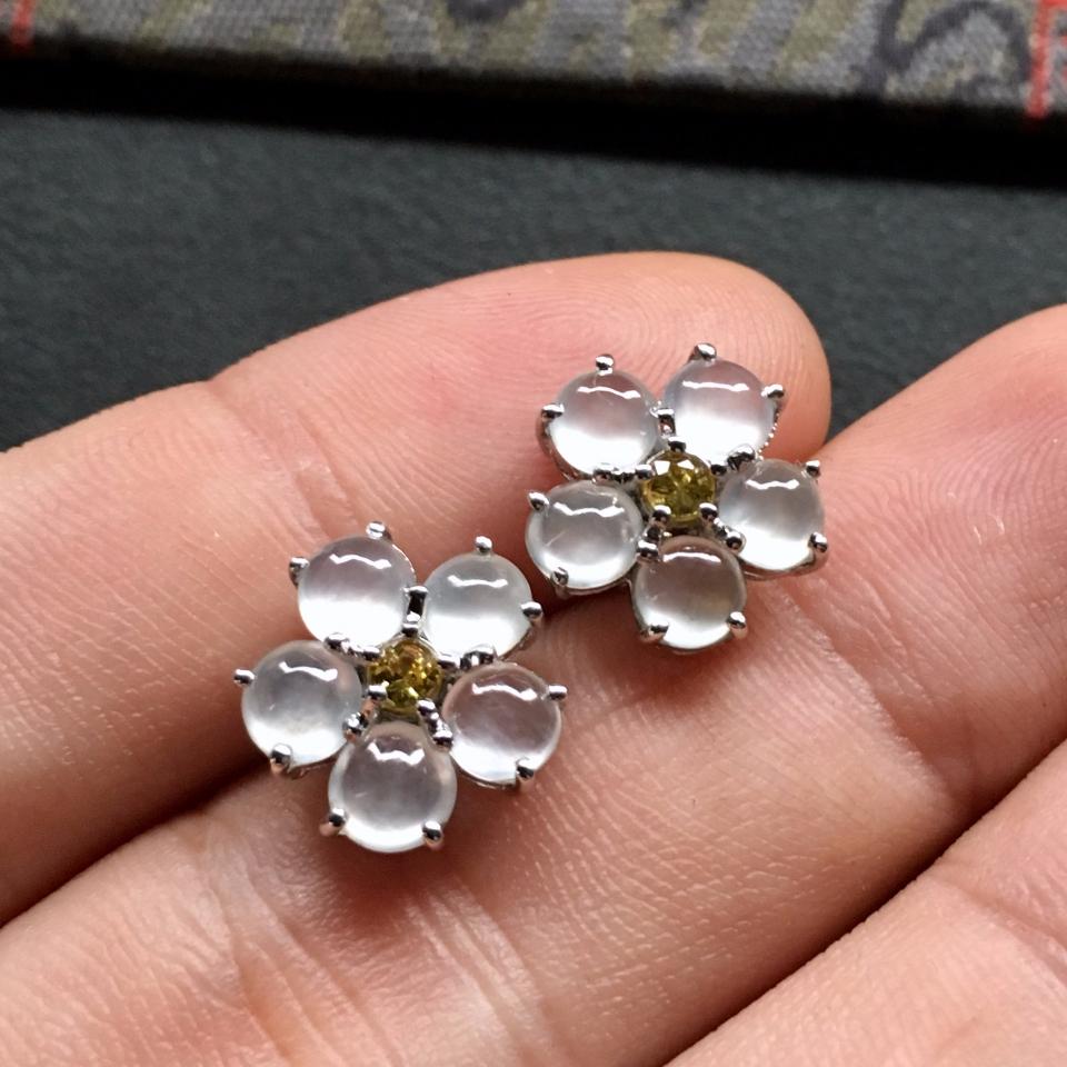 冰种无色花型翡翠耳钉一对 镶白金黄蓝宝