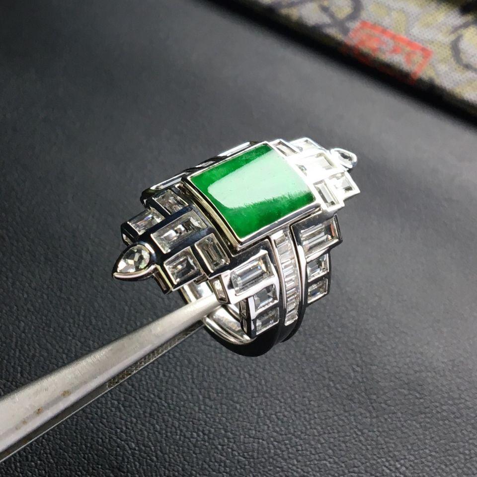 糯冰种深绿翡翠戒指 镶白金钻石/伴镶蓝宝石