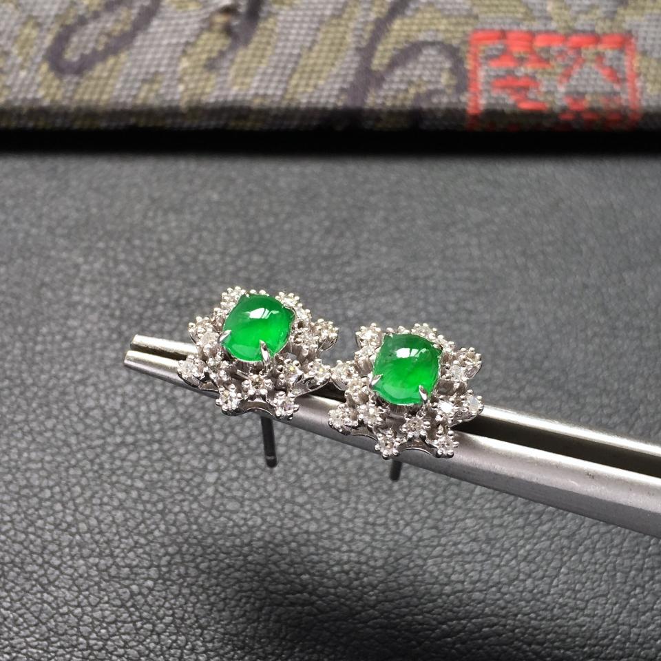 冰种阳绿雪花形翡翠耳钉一对 镶白金钻石第3张