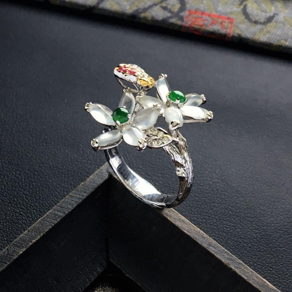 冰种无色花型翡翠戒指 镶彩金钻石第2张