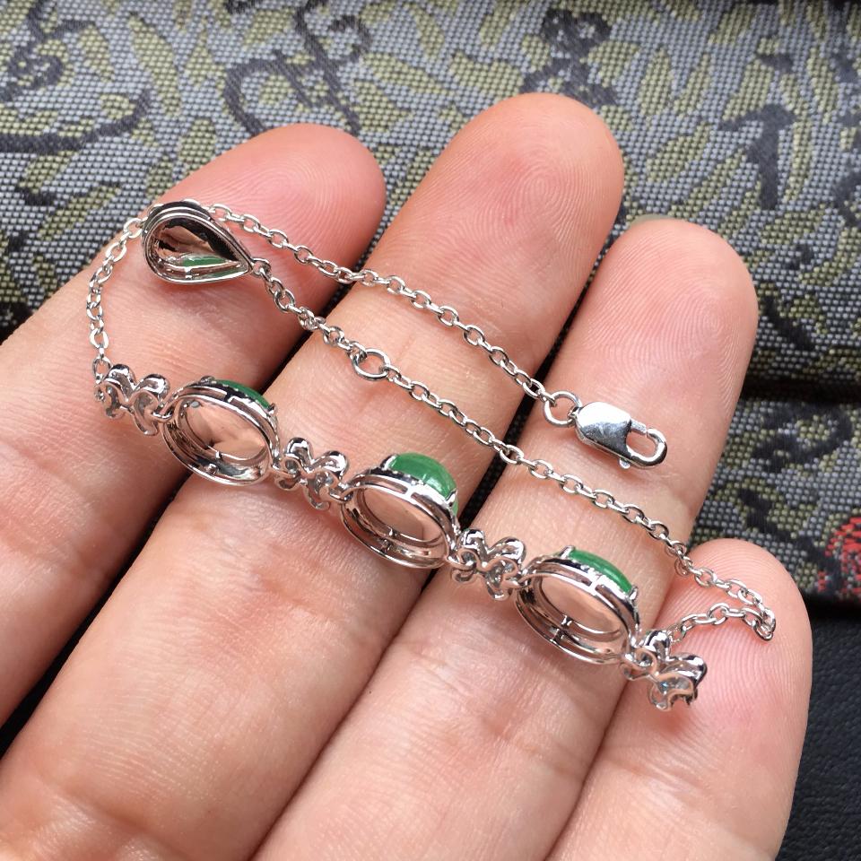 翠色冰种翡翠手链 镶白金钻石第7张