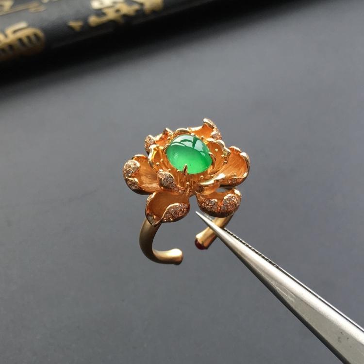 冰种飘翠翡翠镶黄18k金钻石繁花戒指