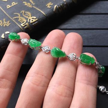 翠色糯冰种金蟾翡翠手链 镶白金钻石