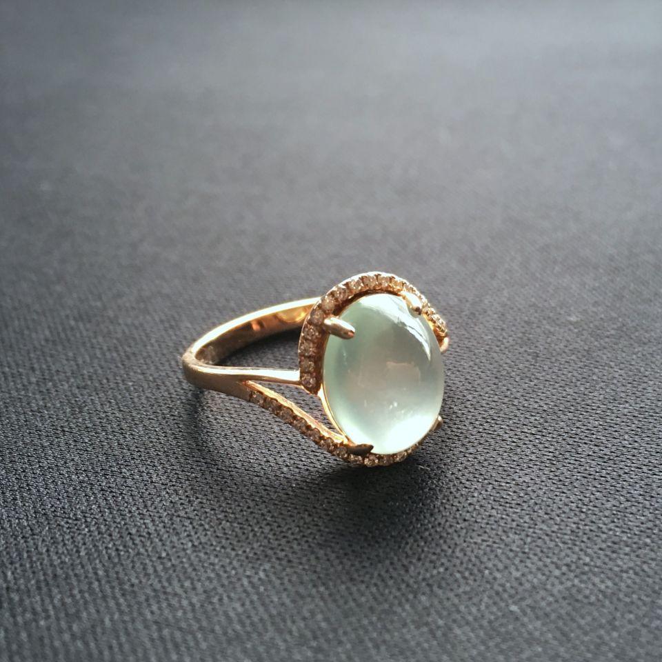 玻璃种淡晴水翡翠戒指 镶玫瑰金钻石