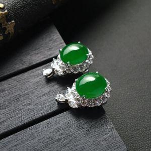 糯冰种阳绿翡翠耳钉镶白金钻石
