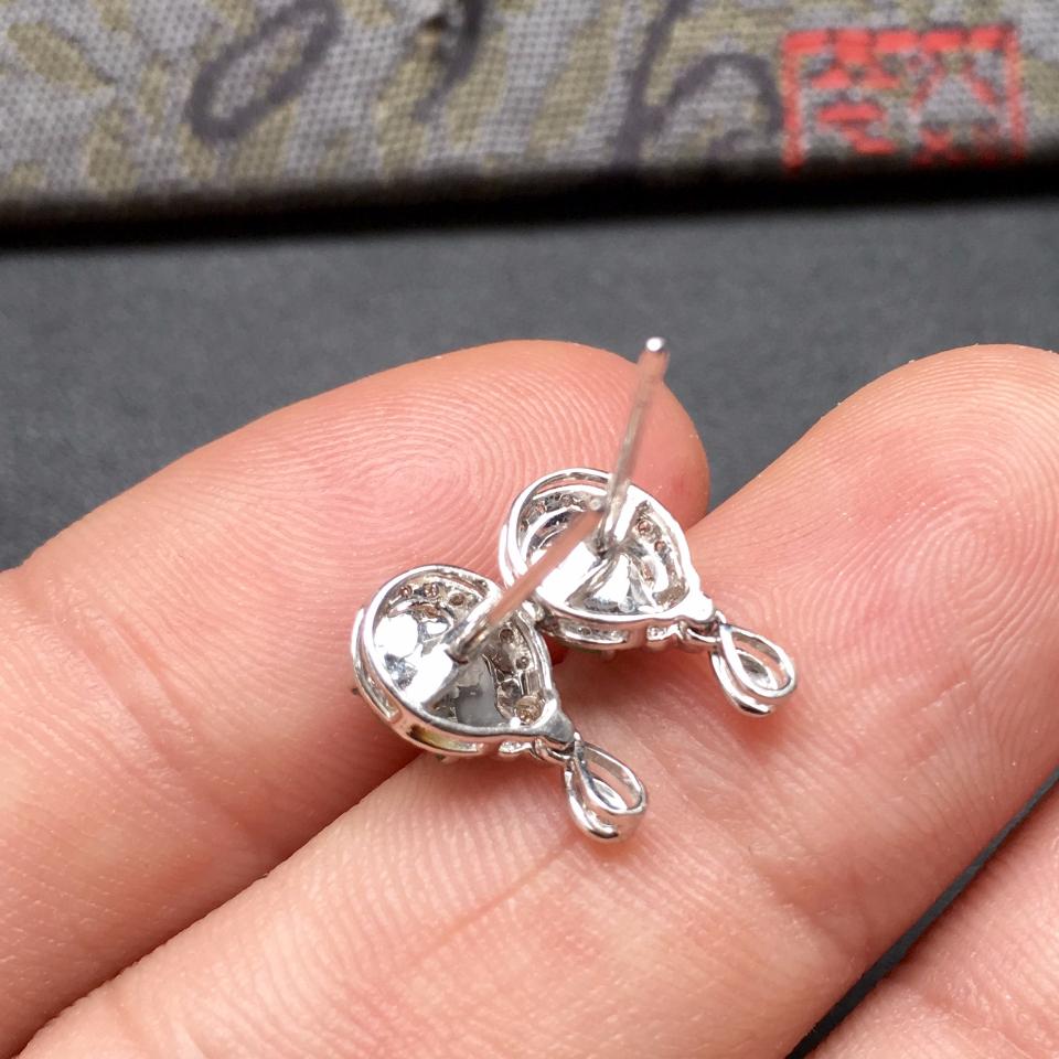 翠色冰种翡翠耳钉一对镶白金钻石第4张