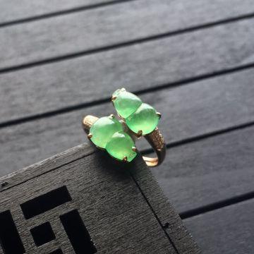 冰种绿晴水翡翠葫芦戒指 镶玫瑰金钻石