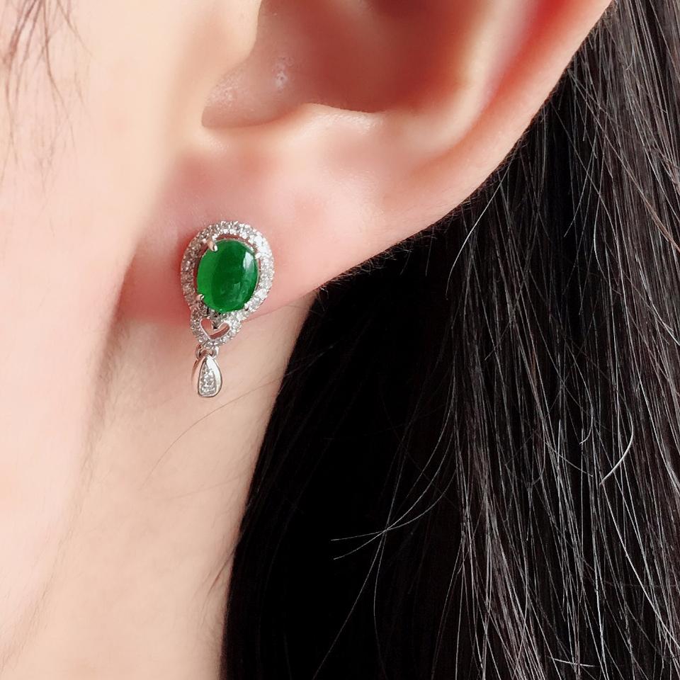 冰种阳绿翡翠耳钉一对 镶白金钻石第8张
