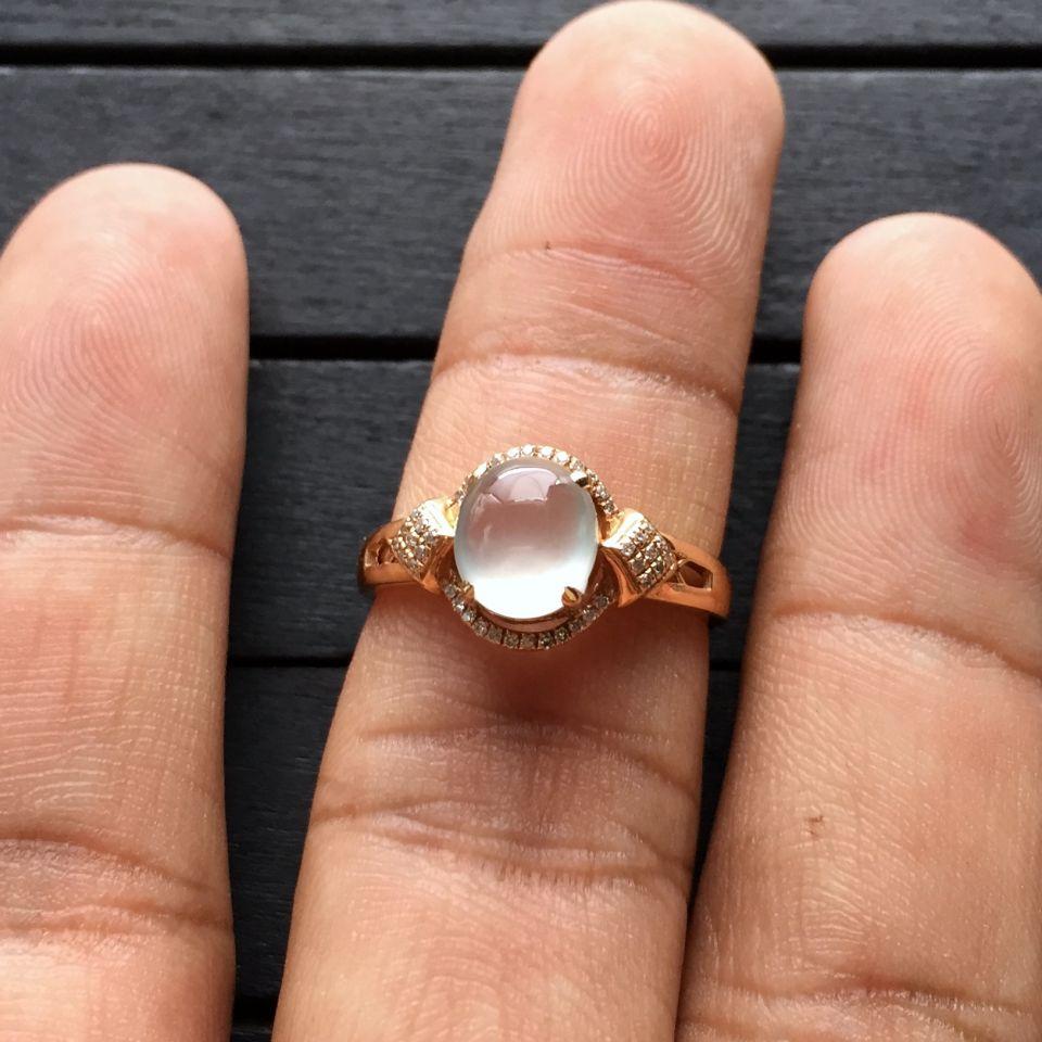 冰种无色翡翠戒指 镶玫瑰金钻石第7张