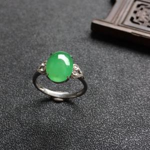 冰种绿晴水翡翠戒指(镶白金钻石)