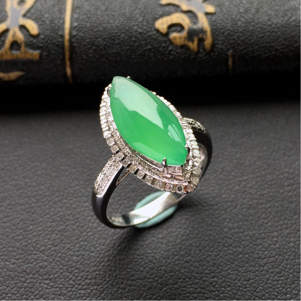 绿晴水冰种翡翠马眼戒指 镶白金钻石