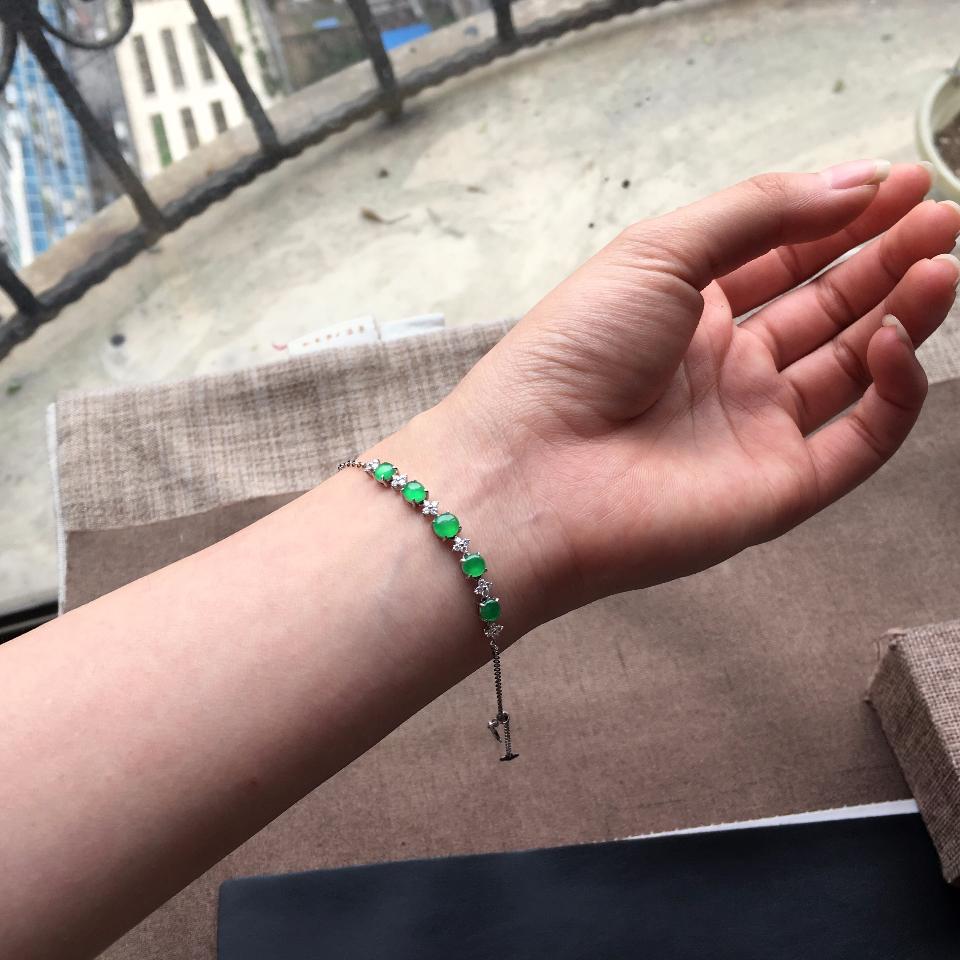 冰种翠色翡翠手链镶白金钻石第8张