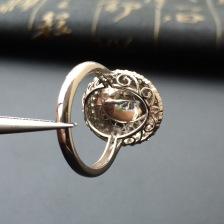 翠绿冰种翡翠镶金钻戒指
