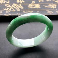冰种飘绿翡翠手镯 (贵妃)