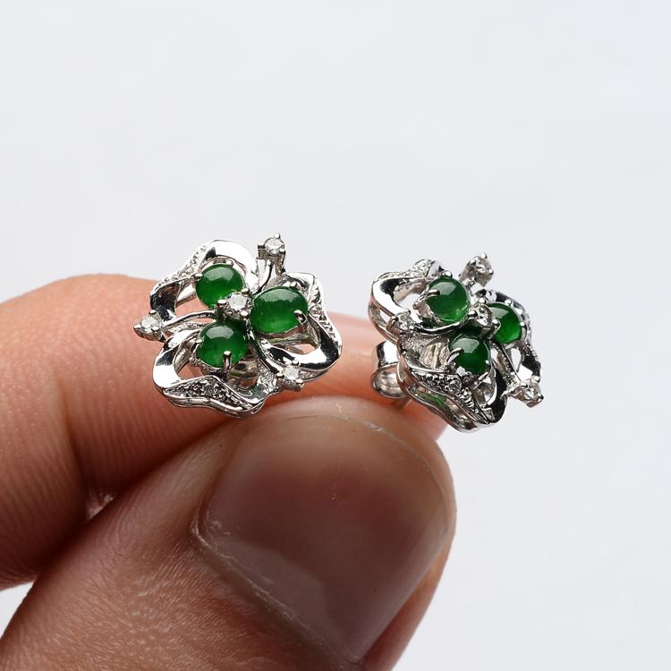 阳绿冰种夏花翡翠耳钉 镶白金钻石第7张