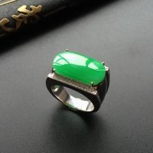 (男戒)糯冰种阳绿翡翠镶白金钻石马鞍戒指