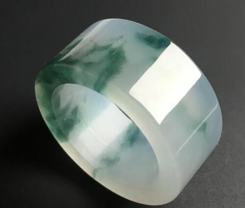 男士戴翡翠戒指具体有哪些含义?