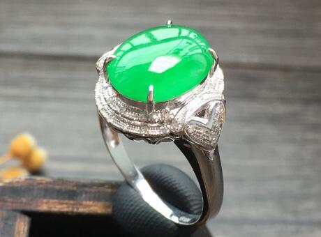 关于送翡翠戒指的含义,下次可别乱送了