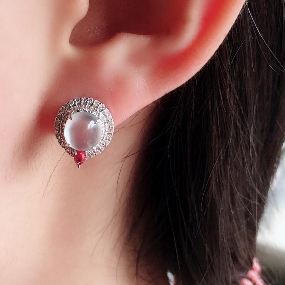 无色冰玻种起光翡翠耳钉一对 镶白金钻石第7张