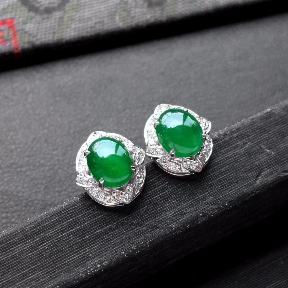 冰种阳绿翡翠耳钉一对 镶白金钻石