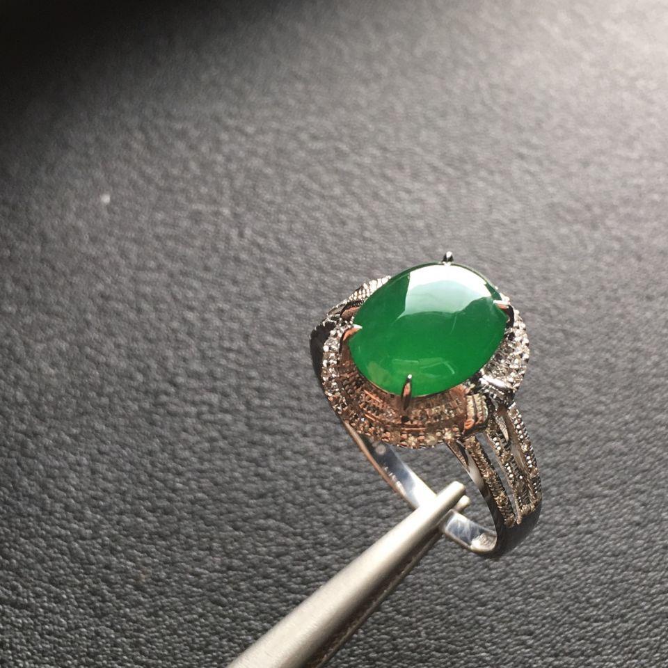 冰种深绿翡翠戒指镶白金钻石