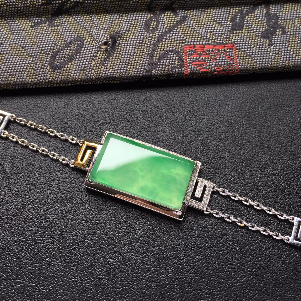 冰种翠色无事牌翡翠手链 镶白金钻石第3张