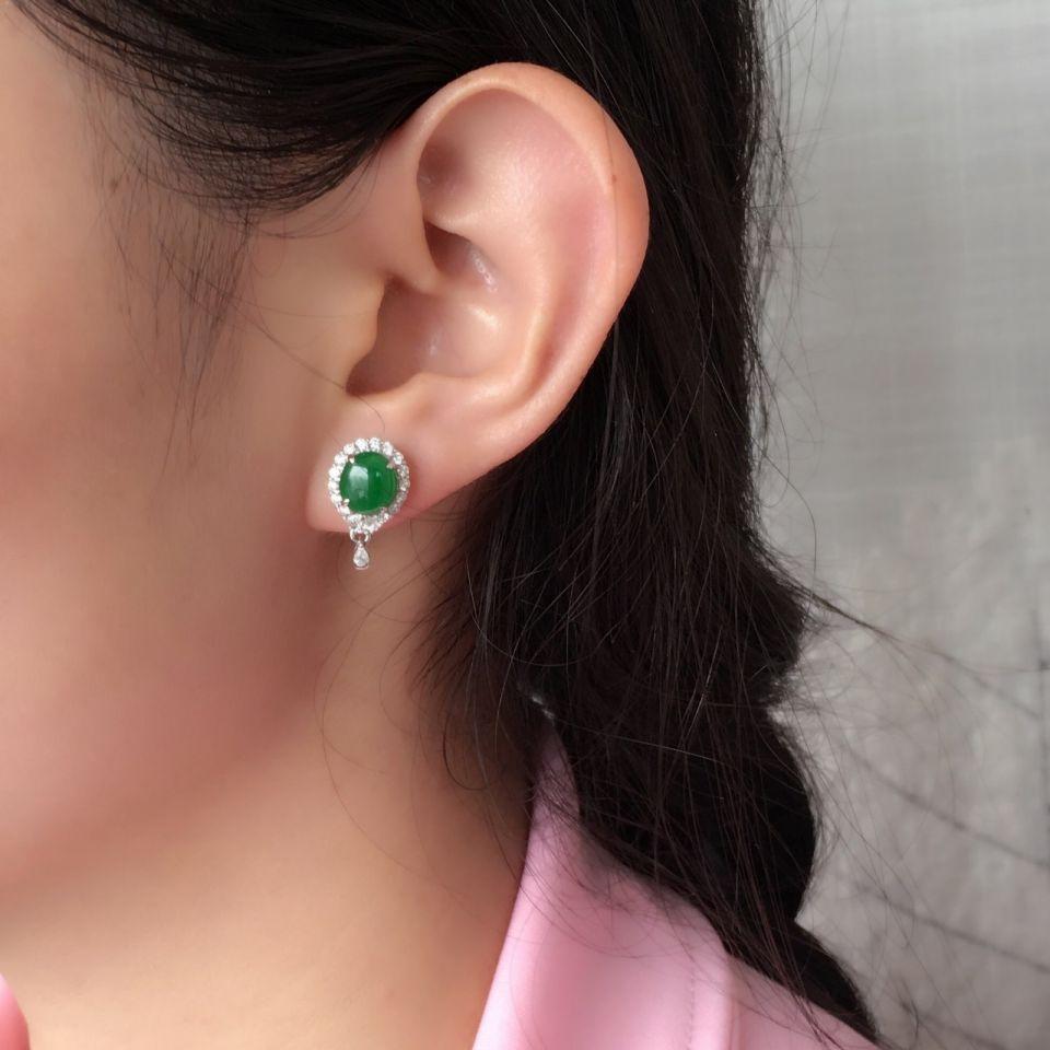 翠绿冰种翡翠耳钉一对 镶白金钻石第10张
