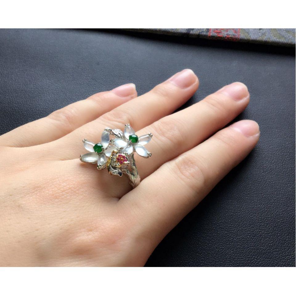 冰种无色花型翡翠戒指 镶彩金钻石第10张