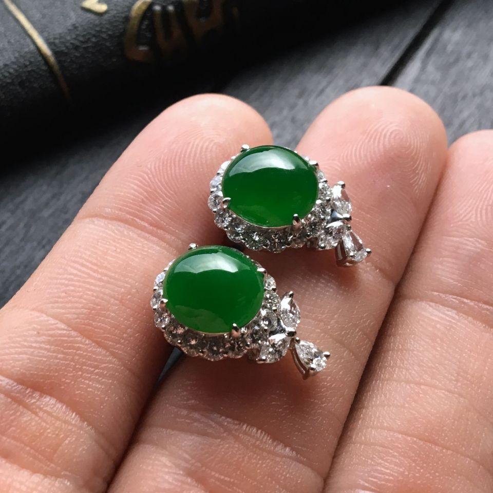 糯冰种阳绿翡翠耳钉镶白金钻石第3张