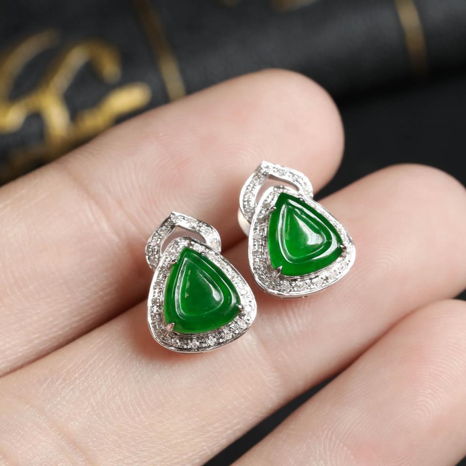 阳绿冰种翡翠耳钉 镶白18K金钻石第5张