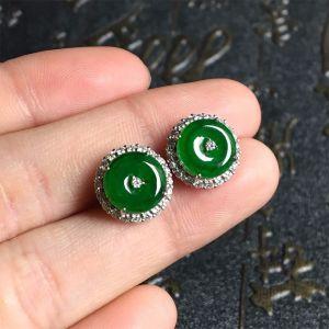 冰种浓绿翡翠耳钉镶白金钻石