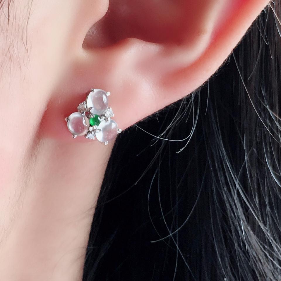 冰玻种起光花型翡翠耳钉一对 镶白金钻石第7张