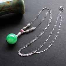 飘翠糯冰种翡翠圆珠项链 镶白金钻石