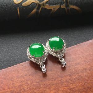 翠绿冰种翡翠耳钉一对 镶白金钻石