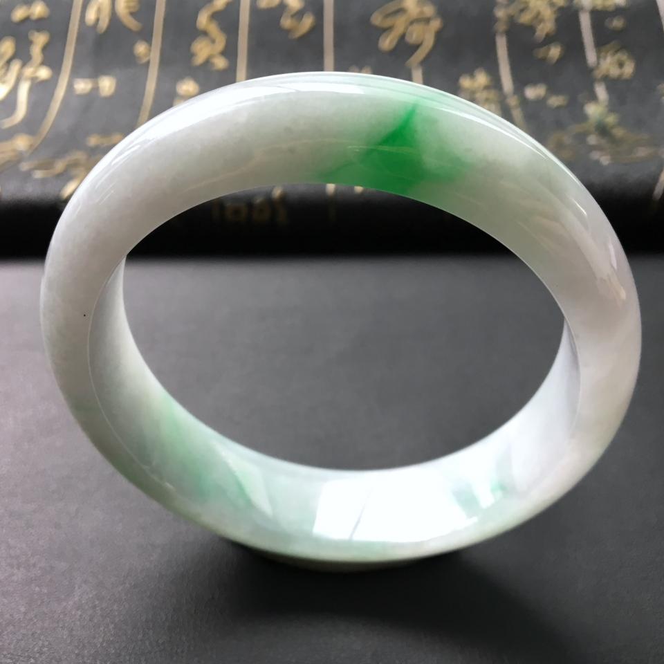 冰种飘绿翡翠手镯 第2张
