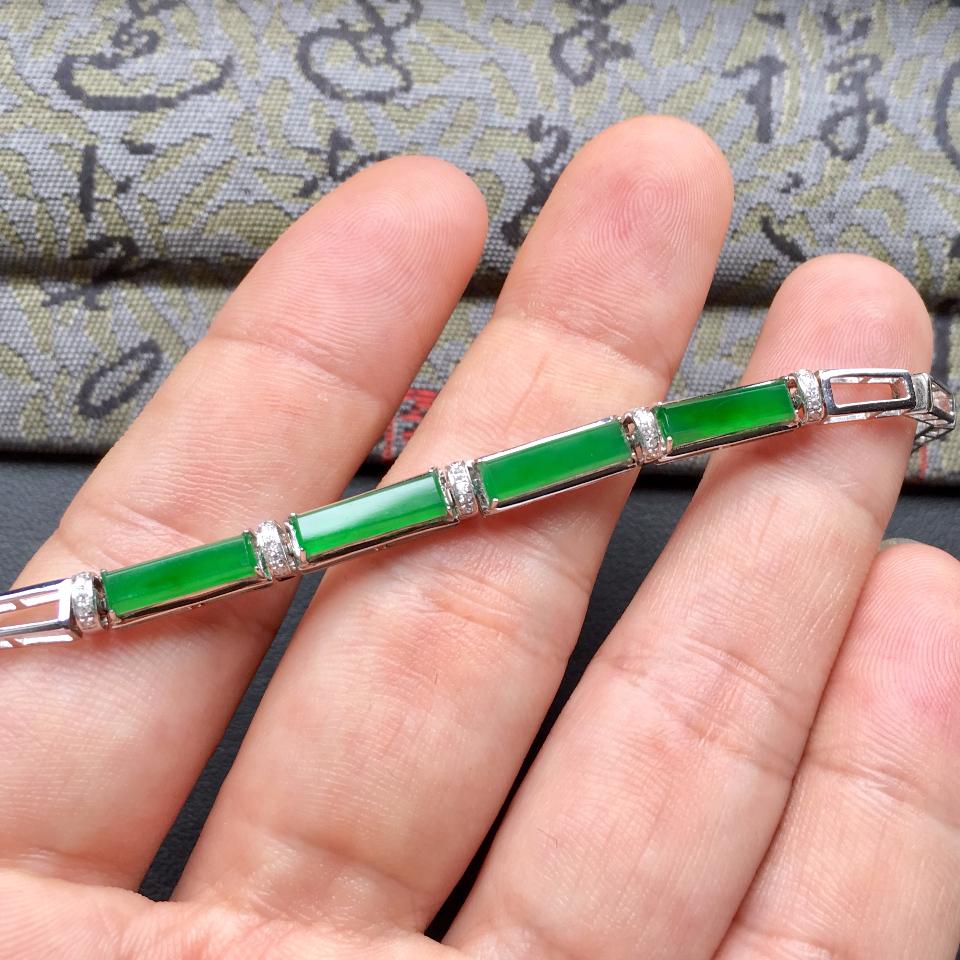 冰种深绿方形翡翠手链 镶白金钻石第6张