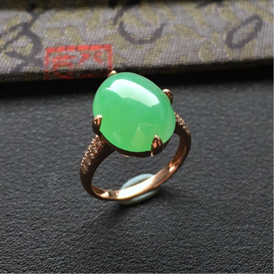 阳绿糯冰种翡翠戒指 镶玫瑰金钻石