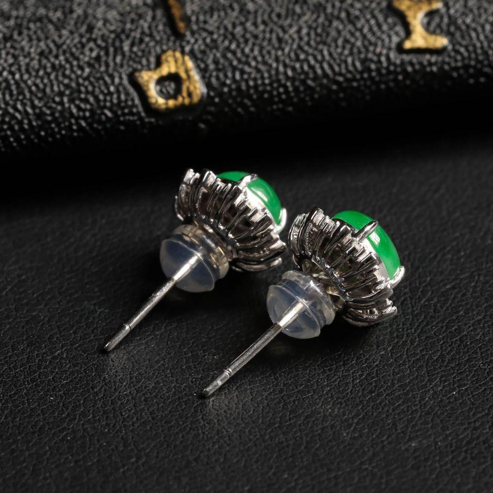 冰种翠绿翡翠耳钉镶白18K金钻石第3张