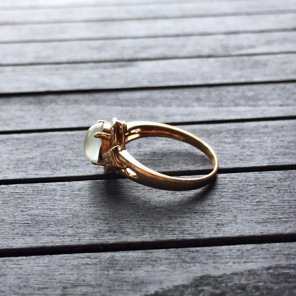 冰种无色翡翠戒指 镶玫瑰金钻石第5张