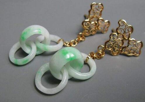 三环型的翡翠耳环.jpg