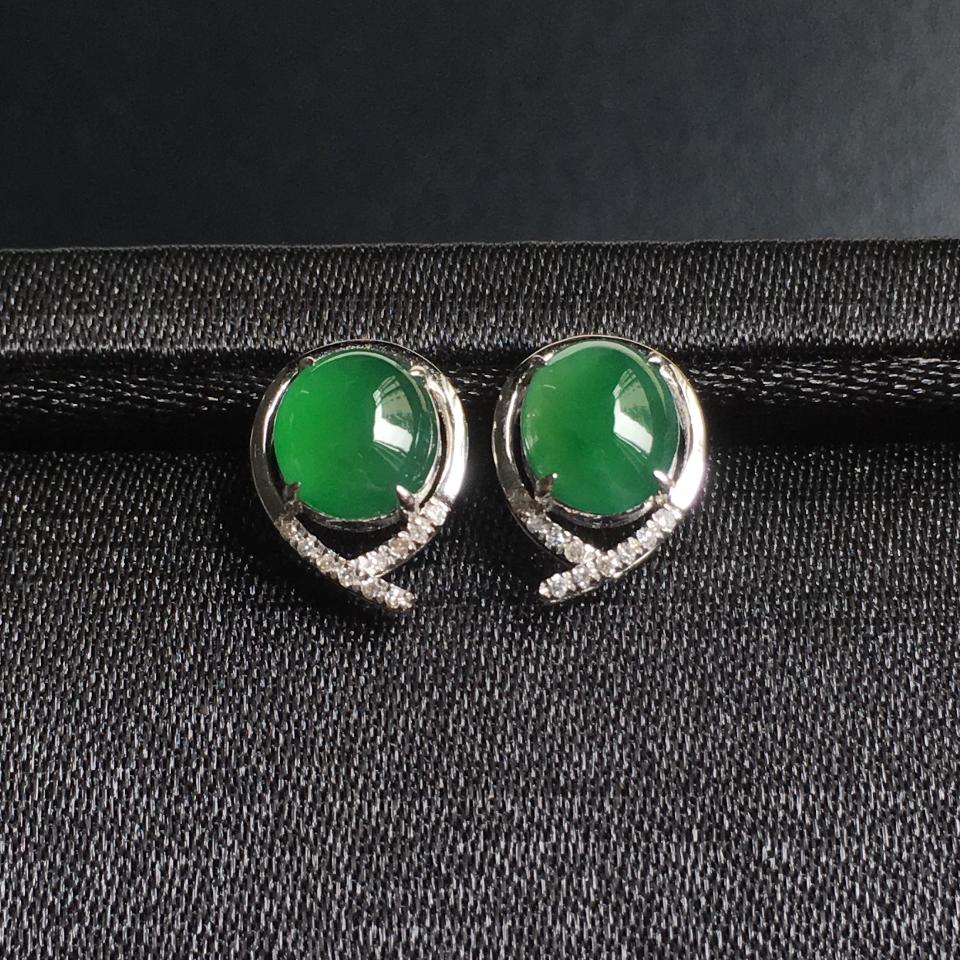 冰种阳绿蛋面翡翠耳钉 镶白18K金钻石第2张