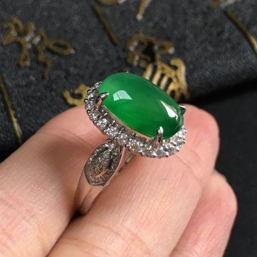 冰种阳绿翡翠戒指 镶白18K金钻石