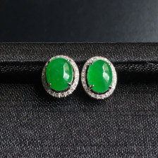 糯冰种阳绿蛋面翡翠耳钉 镶白18K金钻石