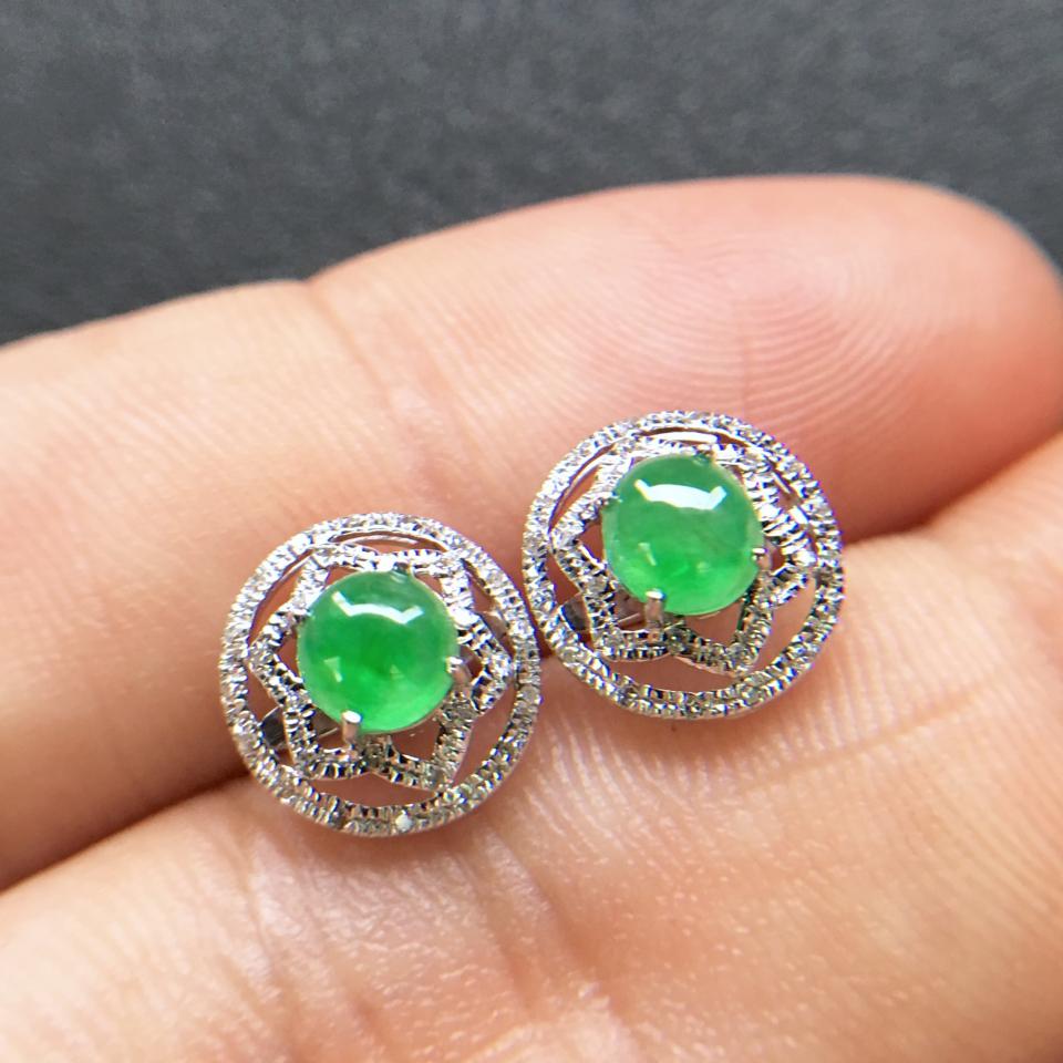 飘绿冰种翡翠耳钉一对 镶白金钻石第5张