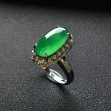 翠色冰种翡翠镶白金钻石戒指(胸坠两用)