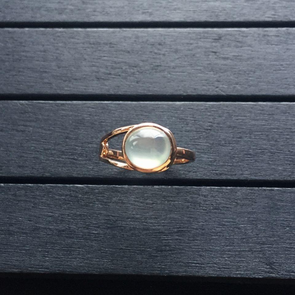 冰玻种无色翡翠戒指 镶玫瑰金第3张