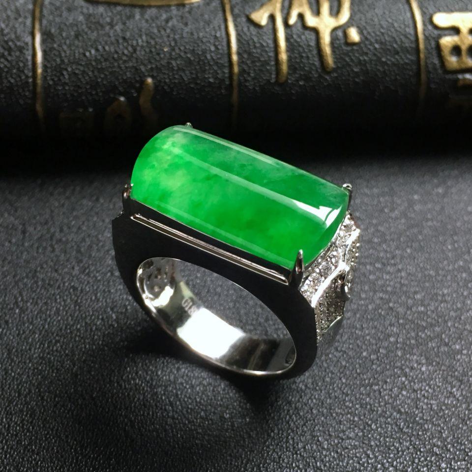 冰种翠色翡翠男戒 镶白金钻石